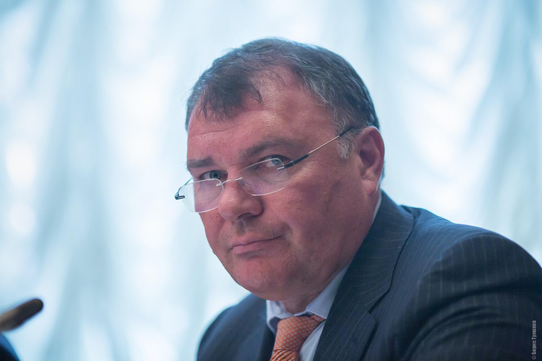 Депутат Александр Ремезков не рассчитывает на пенсию.