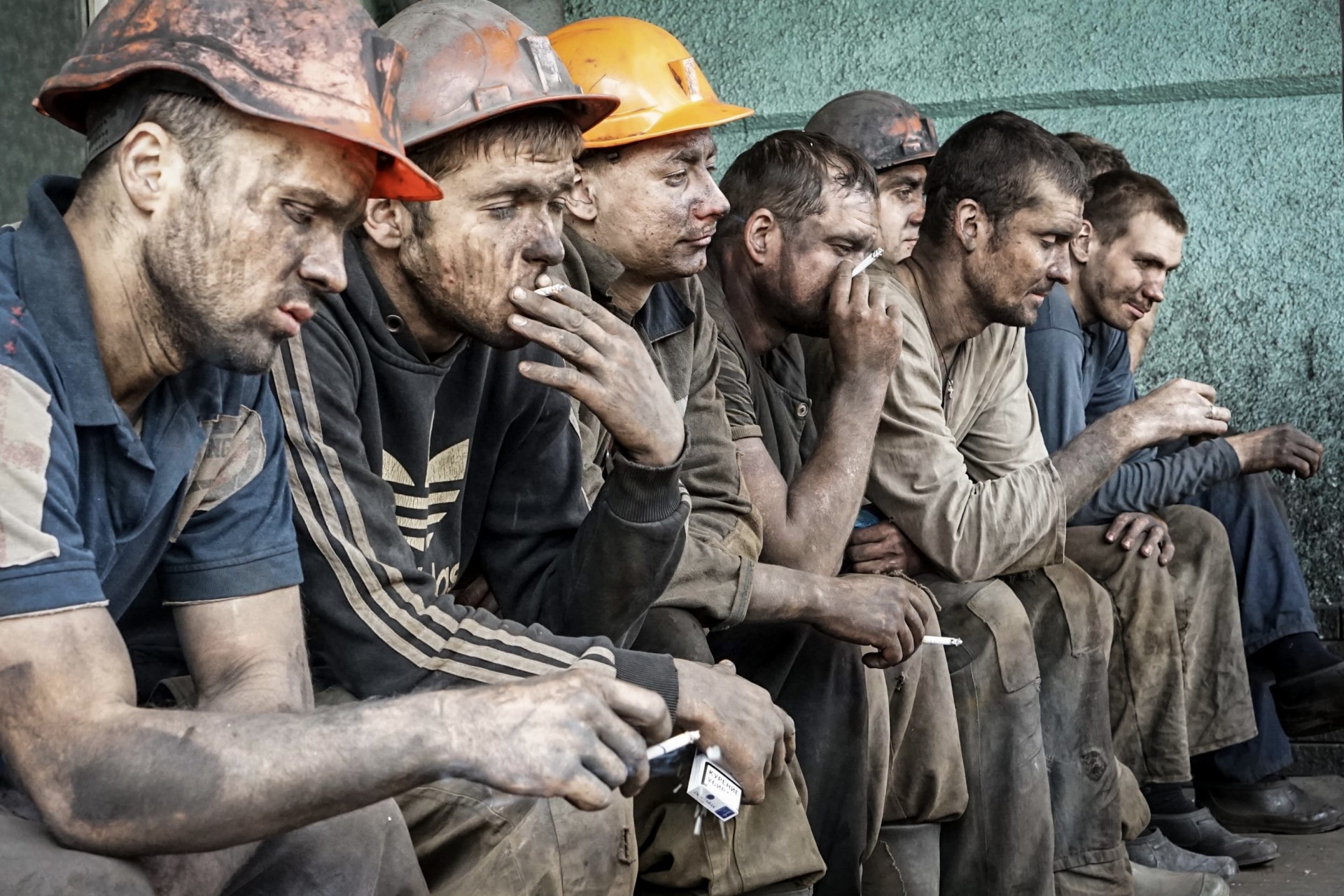 шахтёры в грязи