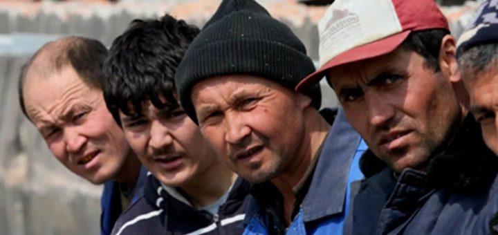 Гражданам Кыргызстана запретят надолго уезжать от детей