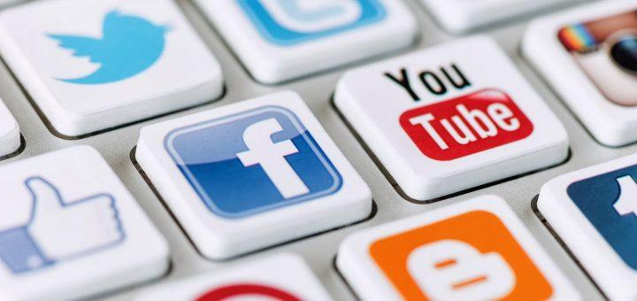 По настоянию Кремля губернаторы назначат ответственных за соцсети