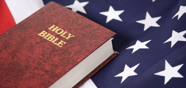 Дональд Трамп одобрил введение уроков религии в школах