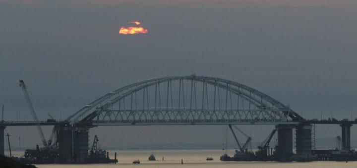 Россия выделит 3 млрд рублей на решение проблем с Керченским мостом