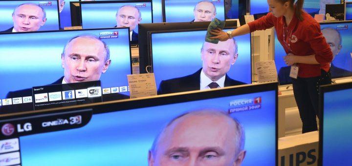 Белорусская оппозиция требует ограничить вещание российских каналов