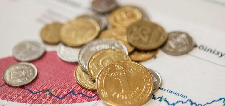В преддверии выборов украинцам обещают повышение пенсий