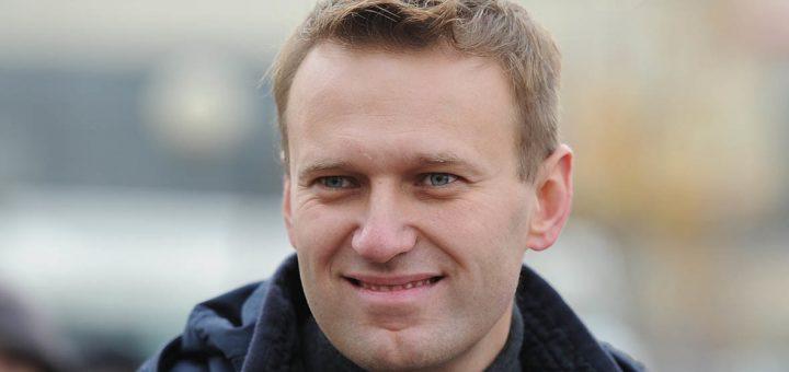Навальный предложил США ввести санкции против российских олигархов