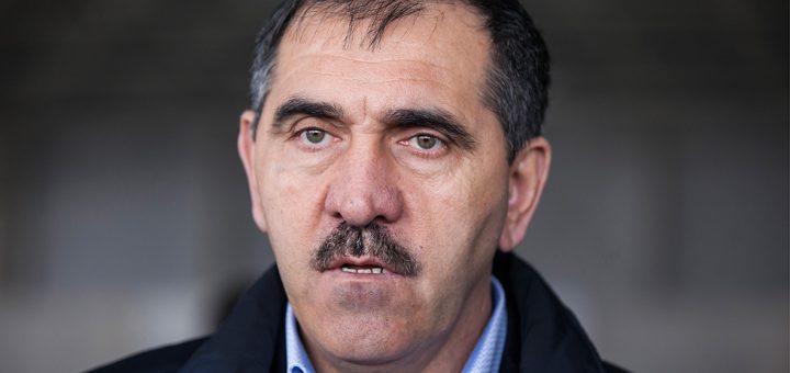 Юнус-Бек Евкуров объявил о своей досрочной отставке