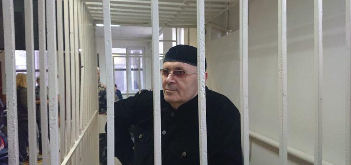 Чеченский правозащитник Оюб Титиев освобождён по УДО