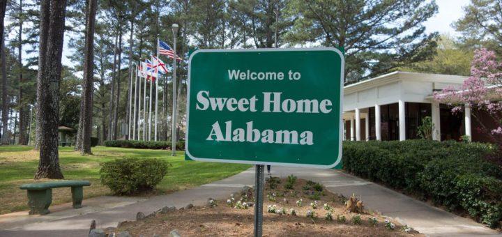 В Алабаме раненую в живот беременную женщину судят за убийство плода