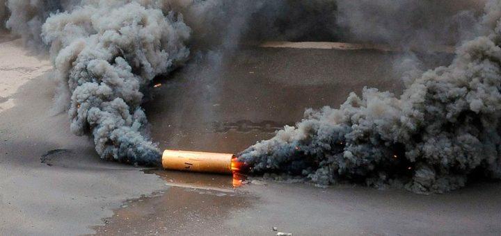 Учредитель благотворительного фонда «Антошка» бросался дымовыми шашками на митинге