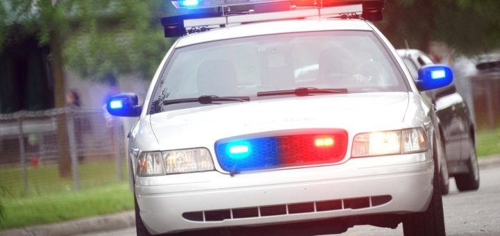 Сбивший «пьяного мальчика» полицейский пнул его из-за помятого капота