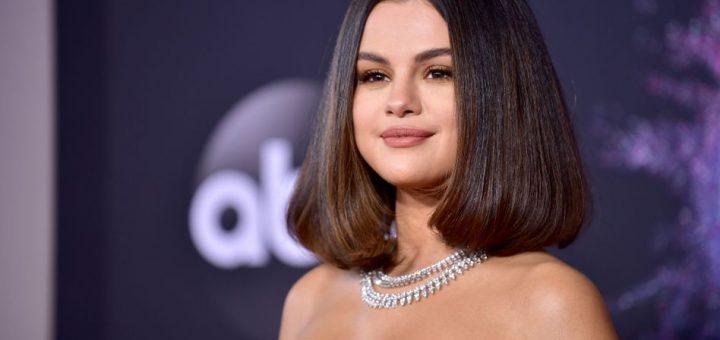 LOS ANGELES, CALIFORNIA - NOVEMBER 24: Selena Gomez attends the 2019 American Music Awards at Microsoft Theater on November 24, 2019 in Los Angeles, California. (Photo by Rodin Eckenroth/FilmMagic)