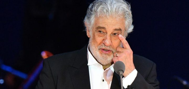 """(FILES) In this file photo taken on August 28, 2019 Spanish tenor Placido Domingo gestures as he performs during his concert in the newly inaugurated sports and culture centre 'St Gellert Forum' in Szeged, southern Hungary. - The Los Angeles Opera on March 10, 2020 said its investigation into opera star Placido Domingo found accusations of """"inappropriate conduct"""" against its former director to be credible. (Photo by Attila KISBENEDEK / AFP)"""