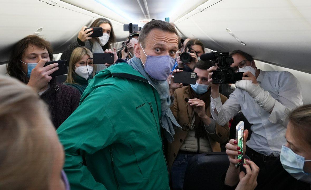 Михаил Ходорковский прокомментировал задержание Навального в аэропорту Шереметьево по прилёту из Германии в Россию